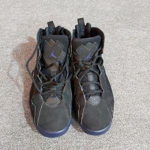 Air Jordan black/purple size: men's 8.5
